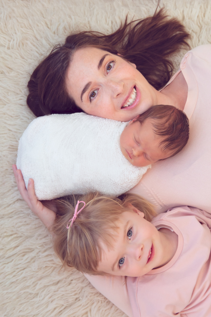 Mom and Sibling photo by Newborn Photographer April McColeman