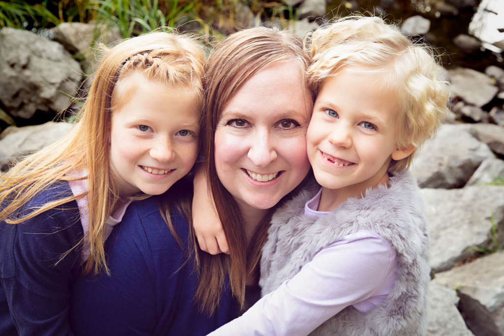 Mom_Girls_Photo_manotick_photographer